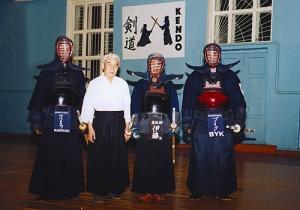 Занятие по кендо в спортзале Динамо Красноярска. 2003 год